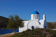 Consoles gregos, amorgos pequenos da igreja fotos de stock royalty free