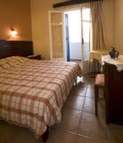 Consoles gregos greece do santorini do ia de oia do quarto de hotel Fotos de Stock Royalty Free