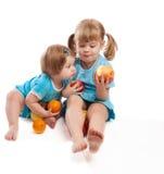 consommation d'enfants de pommes Image libre de droits