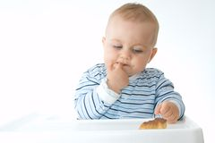 Consommation des biscuits Photographie stock libre de droits