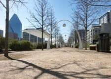 Consommation et lieu de rencontre en parc urbain, en hiver Photo libre de droits
