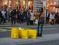 Consommationisme, clients et grandes ventes images libres de droits