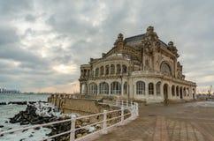 Constanta Румыния казино на зиме стоковые фотографии rf