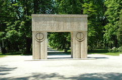 Constantin Brancusi's kissing gate royalty free stock images