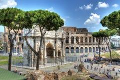 Constantine Arc och Colloseum Royaltyfri Fotografi