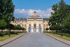 Constantine Konstantinovsky-Palast und -park in Strelna, St Petersburg, Russland Lizenzfreie Stockbilder