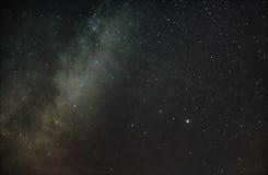 Constellation de la lyre et de notre galaxie la manière laiteuse photographie stock