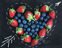 Constitution de la grappe de salutation de Saint-Valentin de saint Straberries frais de jardin Photographie stock libre de droits