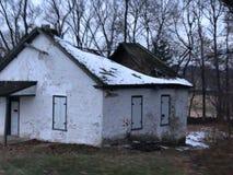 Construção abandonada no local do cemitério Fotografia de Stock Royalty Free