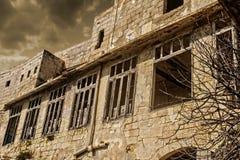 Construção abandonada no sepia imagem de stock royalty free