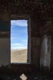 Construção abandonada velha do interior foto de stock