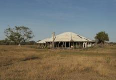 Construção abandonada velha em Queensland rural Austrália fotos de stock royalty free