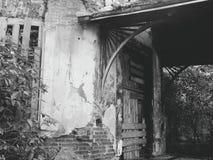 construção abandonada velha na região de Zhytomyr, no outono 2018 & no x28; casa Tereshchenkov& x29; fotos de stock royalty free