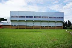 Construção agradável da piscina Arquitetura moderna Fotos de Stock
