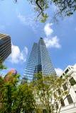 Construção alta da elevação em Singapura Imagem de Stock