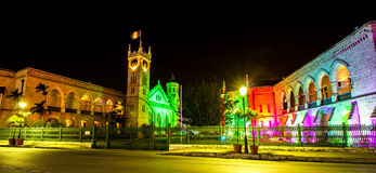 Construção brilhantemente iluminada do parlamento em Bridgetown, Barbados no Natal Fotografia de Stock Royalty Free