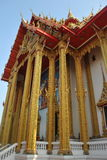 Construção budista da arquitetura bonita no templo kwan do bua do wat em Tailândia fotos de stock