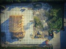 Construção civil de madeira aérea do anúncio publicitário da casa fotos de stock