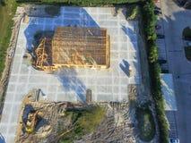 Construção civil de madeira aérea do anúncio publicitário da casa fotografia de stock