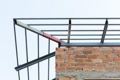 Construção civil residencial do fardo do telhado das vigas de aço Foto de Stock Royalty Free