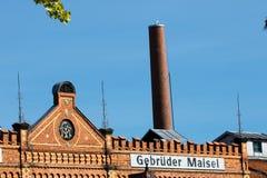 Construção com alvenaria do tijolo - cervejaria histórica imagens de stock