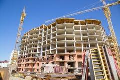 Construção com guindastes Foto de Stock
