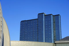Construção comercial moderna Fotos de Stock