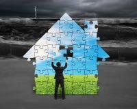 A construção confunde a casa Fotografia de Stock Royalty Free