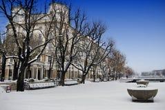 Construção continental e neve em Rijeka, Croácia imagens de stock