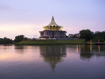 Construção da assembleia legislativa do estado de Sarawak, Kuching, Malásia Fotografia de Stock