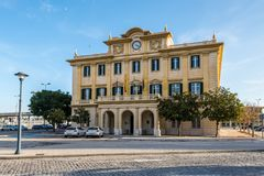 A construção da autoridade portuária de Malaga em Malaga, a Andaluzia, Espanha imagem de stock royalty free