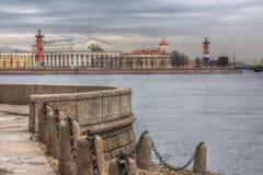 A construção da bolsa de valores de St Petersburg imagem de stock royalty free