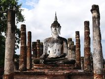 A construção da Buda no parque histórico de Sukhothai Fotos de Stock