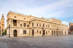 Construção da câmara municipal em Sevilha, Espanha fotos de stock royalty free