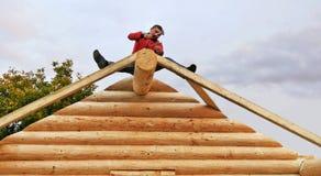 Construção da cabana rústica de madeira Imagem de Stock