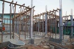 Construção da coluna concreta imagem de stock royalty free
