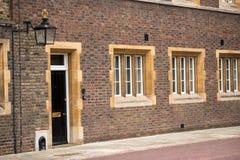 Construção da corte do mosteiro, Londres, Reino Unido foto de stock royalty free