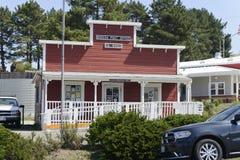 A construção da estação de correios na adega Foto de Stock