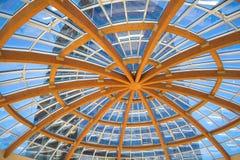 Construção da madeira e do vidro Imagem de Stock Royalty Free