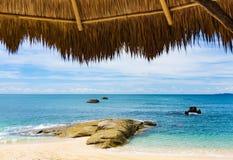 Construção da praia do mar imagem de stock royalty free