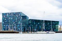 Construção da sala de concertos e Marina Reykjavik, Islândia Foto de Stock