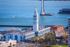 Construção da torre do cais do porto de balsa em San Francisco imagens de stock royalty free