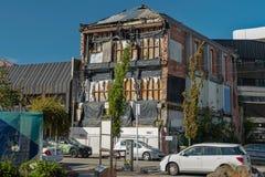Construção danificada na baixa de Christchurch, ilha sul de Nova Zelândia fotos de stock royalty free