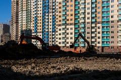 Construção das estradas e colocação das comunicações em um distrito novo Imagens de Stock