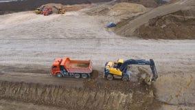 Construção das estradas e dos encanamentos do transporte Construção do local fotos de stock royalty free