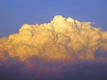Construção das nuvens de tempestade Fotografia de Stock Royalty Free