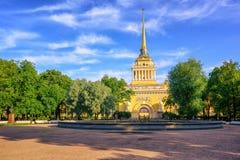 Construção de Admiralty, St Petersburg, Rússia fotos de stock