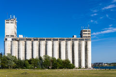 Construção de armazenamento industrial velha Foto de Stock