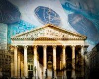 Construção de Banco da Inglaterra com textura da moeda fotos de stock royalty free