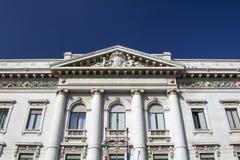 Construção de banco velha e clássica Foto de Stock Royalty Free